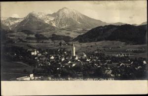Foto Ak Windischgarsten Oberösterreich, Hochreiter, Blick auf den Ort, Gebirge