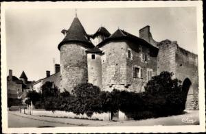 Ak Mennetou sur Cher Loir et Cher, Prieuré et la Porte de l´Est