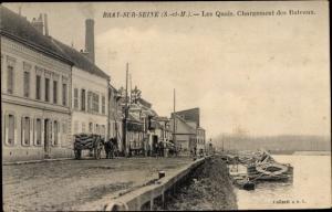 Ak Bray sur Seine Seine et Marne, Les Quais et le Chargement des Bateaux