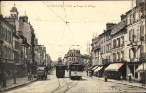 Ak Fontainebleau Seine et Marne, Place de l'Étape, tramways