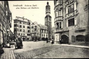 Ak Innsbruck in Tirol, Goldenes Dachl altes Rathaus und Stadtturm