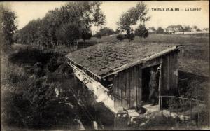 Ak Thieux Seine et Marne, Le Lavoir