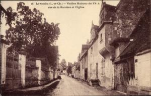 Ak Lavardin Loir et Cher, Vieilles Maisons du XVs rue de la Barriere et l'Eglise