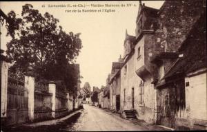 Ak Lavardin Loir et Cher, Vieilles Maisons du XVs, rue de la Barriere et l'Eglise