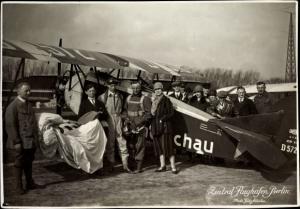 Foto Klinke, Pilot Kurt Streit, Dietrich DP IIa Bussard Flugzeug, D-572, Flughafen Berlin Tempelhof