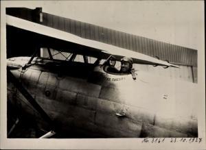 Foto Kunstflugpilot Robert Thierry, Devoitine Hispano Flugzeug, Flughafen Berlin Tempelhof 1927