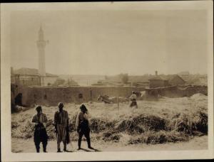 Foto Mazedonien, Dorfbewohner beim Roggen dreschen, 1917