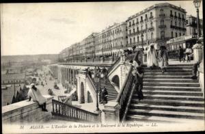 Ak Algier Alger Algerien, L'Escalier de la Pecherie et le Boulevard de la Republique