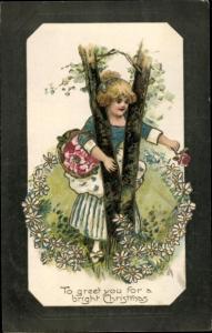 Präge Passepartout Ak Glückwunsch Weihnachten, Frau mit Blumenkorb