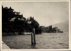 Foto Varenna Lombardia, Villen, Blick vom Ufer aus