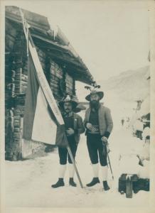 Foto Schützen der Schützenkompagnie Gerlos 1877, Tracht, Fahne