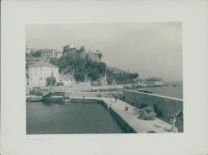 Foto Herceg Novi Montenegro, Hafenpartie mit Festung Kanli Kula