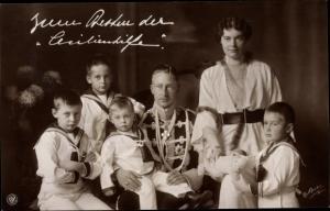 Ak Kronprinz Wilhelm von Preußen mit Familie, Husarenuniform, Teddy, Cecilie