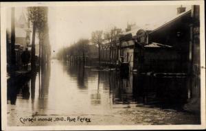 Foto Ak Corbeil Essonne, Inondations de 1910, Rue Feray
