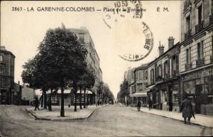 Ak La Garenne Colombes Hauts de Seine, Place de la Fontaîne
