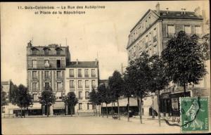 Ak Bois Colombes Hauts de Seine, La Rue des Aubépines et Place de la Republique