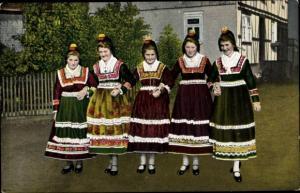 Ak Hessische Trachten, Hessenmädchen im Feststaat