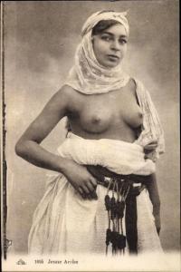 Ak Jeune Arabe, Araberin mit entblößter Brust, Maghreb