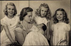 Ak Prinzessin Sibylla von Schweden mit den Prinzessinnen Margaretha, Birgitta, Desirée und Christina