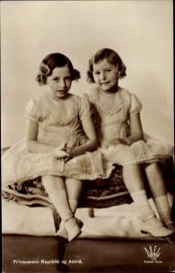 Ak Prinzessinen Ragnhild und Astrid von Norwegen, Portrait