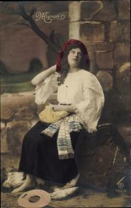 Ak Schauspielerin, Mignon, Frau mit Laute, Portrait