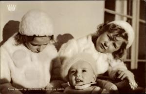 Ak Prinz Harald und Prinzessinnen Ragnhild und Astrid von Norwegen, Portrait