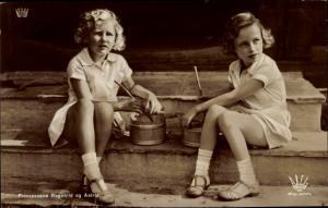 Ak Prinzessinnen Ragnhild und Astrid von Norwegen, Portrait