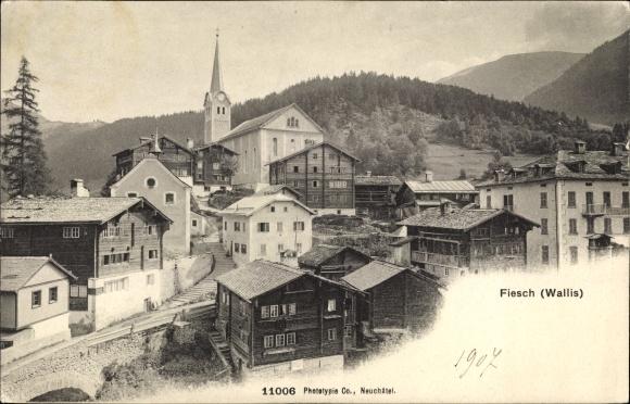 Ak Fiesch Kt Wallis Schweiz, Panorama vom Ort 0