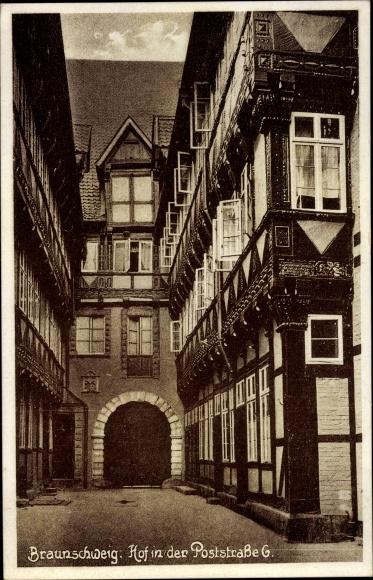 Ak Braunschweig in Niedersachsen, Hof in der Poststraße 6 0