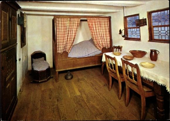 Ak Kommern Mechernich in der Eifel, Freilichtmuseum, Stube in dem Haus aus Scheuerheck 0