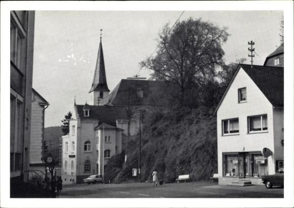 Ak Neunkirchen im Siegerland, Ortspartie, Kirche, Laden, Volksbank Süd Siegerland 0