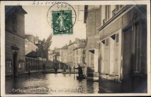 Ak Corbeil Essonne, Inondations de 1910, Rue du 14 Juillet
