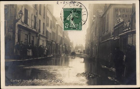Ak Corbeil Essonne, Inondations de Janvier 1910, Rue Saint Spire 0