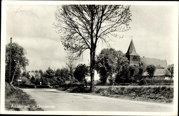 Ak Garderen Gelderland, Ortseingang, Kirche 0