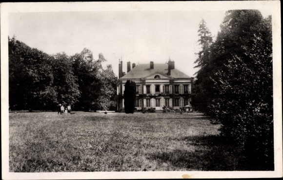 Ak Courtenay Loiret, Chateau de Sainte-Anne 0