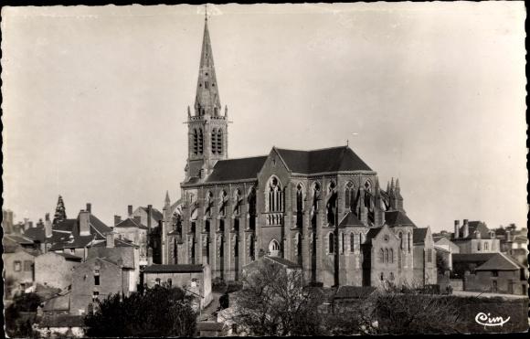 Ak Vihiers Maine et Loire, L'Eglise Saint Nicolas 0