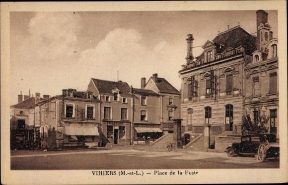 Ak Vihiers Maine et Loire, Place de la Poste 0