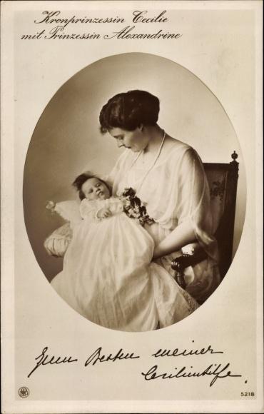 Ak Kronprinzessin Cecilie mit Prinzessin Alexandrine, NPG 5218 0
