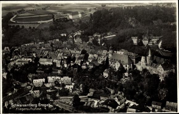 Ak Schwarzenberg im Erzgebirge Sachsen, Fliegeraufnahme vom Ort 0
