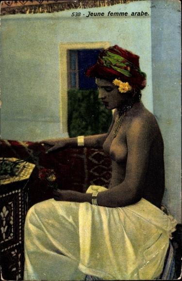 Ak Jeune femme arabe, Portrait, Maghreb 0