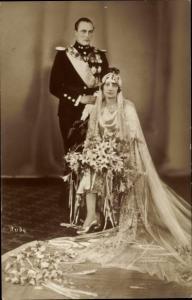 Ak Hochzeit von König Olav V von Norwegen mit Märtha von Schweden, Portrait