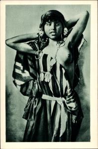 Ak Jeune Femme algerienne, Portrait, 1930, Maghreb