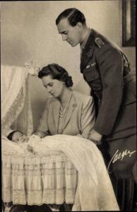 Ak Erbprinz Gustaf Adolf von Schweden, Portrait mit Ehefrau Sibylla und Prinz Carl Gustaf