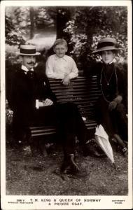Ak König Haakon VII von Norwegen, Maud von Wales, Prinz Olav, Portrait