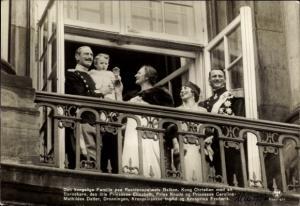 Ak König Christian X von Dänemark, Elisabeth, Knud, Caroline, Ingrid, Kronprinz Frederik