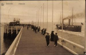 Ak Ostende Westflandern, L'Estacade, bateau à vapeur