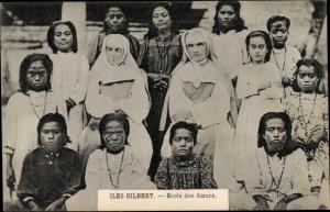 Iles Gilbert Gilbertinseln Kiribati, Ecole des Soeurs, portrait de groupe
