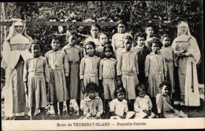 Ak Thursday Island Ozeanien, Ecole des Soeurs, portrait de groupe