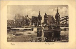 Künstler Ak Szczecin Stettin Pommern, Bahnhofsbrücke, Salondampfer Durchquerung