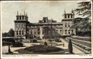Ak Blenheim Neuseeland, Palace, East Front with Gardens
